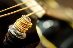 Schließen Sie herauf Detail der Gitarrenschnur Lizenzfreies Stockbild