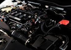 Schließen Sie herauf Detail der Neuwagenmaschine den starken Motor eines Autos Lizenzfreie Stockfotos