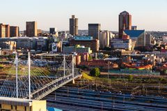 Schließen Sie herauf Detail von Wolkenkratzern in im Stadtzentrum gelegenem Johannesburg lizenzfreie stockbilder