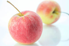 Schließen Sie herauf frische rote Äpfel Stockfotografie