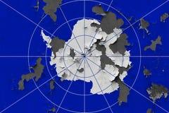 Schließen Sie herauf grungy, schädigende und verwitterte die Antarktis-Flagge auf der Wand, die weg von der Farbe abzieht, um Inn lizenzfreie stockfotos