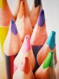 Schließen Sie herauf Makroschuß von Farbbleistiftstapel-Bleistiftspitzen Lizenzfreies Stockfoto