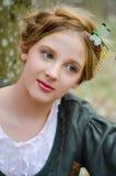 Schließen Sie herauf Porträt eines Weinlese angeredeten Mädchens Lizenzfreie Stockbilder