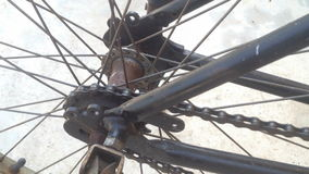 Schließen Sie herauf rustikales der Fahrradkette stock video footage