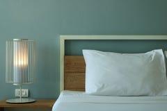 Schließen Sie herauf Schlafzimmerinnenraum des modernen Designs Stockbild