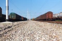 Schließen Sie herauf schmalen Schuss von Steinen und von Felsen einer Eisenbahn nah an frei Lizenzfreies Stockbild
