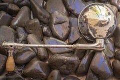 Schließen Sie herauf Schuss eines antiken ` s Richtungshandscheinwerfers 1930 Lizenzfreie Stockbilder