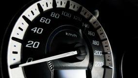 Schließen Sie herauf Schuss eines Geschwindigkeitsmeters in einem Auto Lizenzfreie Stockbilder