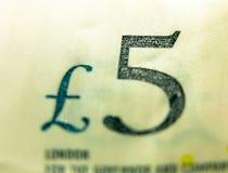 Schließen Sie herauf selektiven Fokus der fünf-Pfund-Anmerkung £5 Lizenzfreies Stockfoto