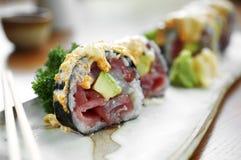 Schließen Sie herauf Sushi vom Thunfisch und vom Reis Stockfotografie
