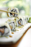 Schließen Sie herauf Sushi vom Thunfisch und vom Reis Stockbild