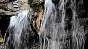 Schließen Sie herauf Wasserfälle stock video footage