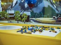 Schließen Sie herauf Ziegelstein lego Block auf dem Tisch Lizenzfreies Stockbild