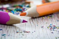 Schließen Sie oben auf Bleistiftfetzen Stockfoto