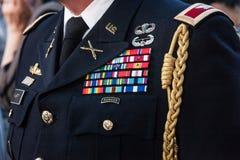Schließen Sie oben auf der formalen Uniform der US-Förster auf Anzeige Die Armee-Förster Vereinigter Staaten ist eine zerstreute  lizenzfreie stockfotografie