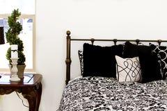 Schließen Sie oben auf einem Schlafzimmer Lizenzfreies Stockfoto