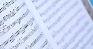 Schließen Sie oben auf Retro- - alte Musik-Anmerkungen stock footage