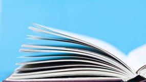 Schließen Sie oben auf Seiten des offenen Buches Lizenzfreie Stockfotografie