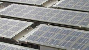 Schließen Sie oben auf Sonnenkollektoren Stockbild