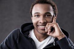 Schließen Sie oben vom Afroamerikanermann lizenzfreie stockfotos