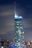 Schließen Sie oben vom Gebäude Q1 nachts Stockfotografie