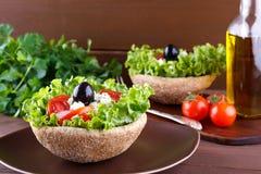 Schließen Sie oben vom griechischen Salat Stockbild