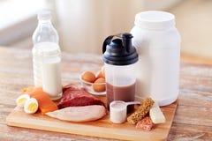 Schließen Sie oben vom natürlichem Proteinlebensmittel und -zusatz stockbild