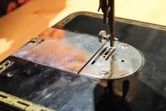 Schließen Sie oben von alte Weinlese-Nähmaschine Lizenzfreie Stockfotografie