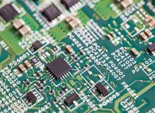 Schließen Sie oben von den elektronischen Bauelementen auf dem Motherboard, Mikroprozessorchip Lizenzfreie Stockfotos