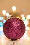 Schließen Sie oben von den festlichen Weihnachtsbällen Stockbild