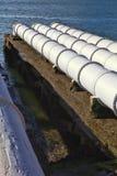 Schließen Sie oben von den großen Abwasserleitungen Stockfotos