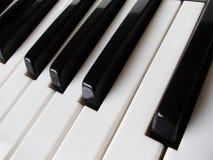 Schließen Sie oben von den Klaviertasten Stockfoto