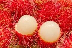 Schließen Sie oben von den Rambutanfrüchten Stockbild