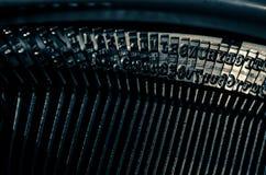 Schließen Sie oben von den Zeichen auf einer alten Schreibmaschine Lizenzfreie Stockfotografie