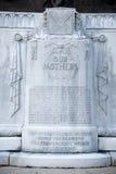 Schließen Sie oben von der Aufschrift auf Verbündet-Mutter-Statue, Jackson, Mississippi lizenzfreie stockbilder