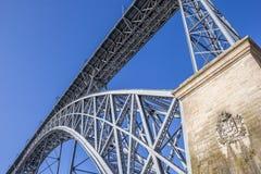 Schließen Sie oben von der Brücke Ponte Luis in Porto Lizenzfreie Stockfotos