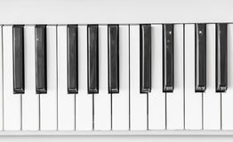 Schließen Sie oben von der Klaviertastatur Lizenzfreie Stockbilder