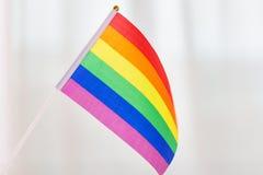 Schließen Sie oben von der Regenbogenflagge des homosexuellen Stolzes Lizenzfreie Stockbilder
