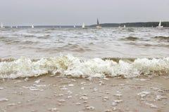 Schließen Sie oben von der Welle auf dem See Lizenzfreie Stockbilder