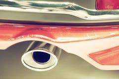 Schließen Sie oben von einem Autoauspuff Lizenzfreie Stockbilder
