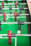 Schließen Sie oben von einem foosball Spiel lizenzfreie stockfotografie