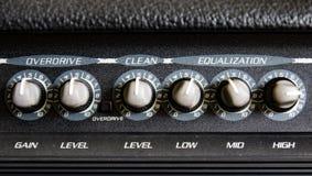 Schließen Sie oben von einem Gitarren-Verstärker lizenzfreie stockfotos