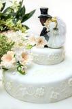 Schließen Sie oben von einem Hochzeitskuchen Stockbild