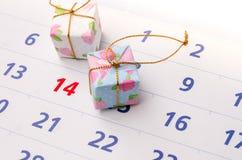 Schließen Sie oben von einem Kalender mit Fokus an Tag 14 Lizenzfreies Stockbild
