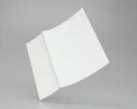 Schließen Sie oben von einem zerknitterten ausgebreiteten Papier auf grauem Hintergrund Wiedergabe 3d Lizenzfreies Stockfoto