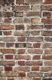 Schließen Sie oben von einer alten Backsteinmauer. Stockbilder
