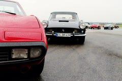 Schließen Sie oben von einer Weinlese Ferrari Stockfotos