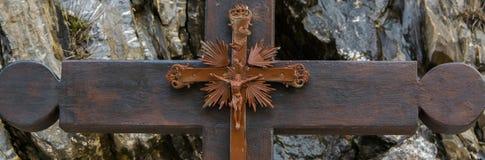 Schließen Sie oben von Jesus Christ-Kreuz, Steinhintergrund lizenzfreie stockbilder
