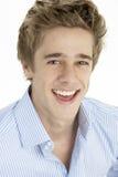 Schließen Sie oben von lächelndem jungem Mann Lizenzfreie Stockbilder