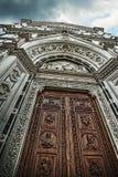 Schließen Sie oben von Santa Croce-Haustür Lizenzfreie Stockbilder